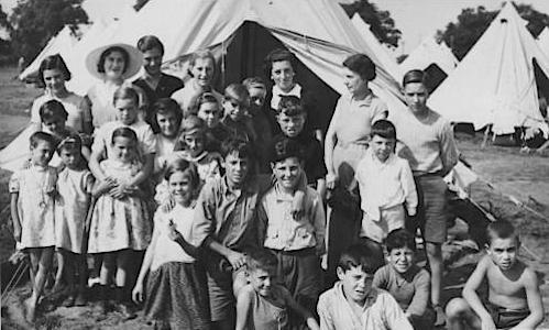 Eerste opvang in Stoneham Camp, Southampton.
