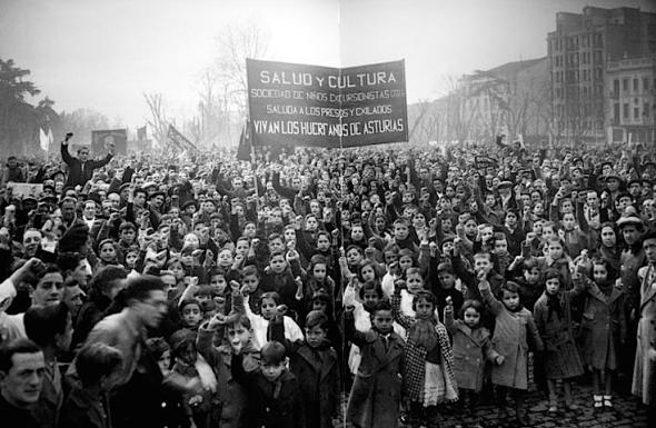 Manifestatie weeskinderen Asturias-opstand, Madrid 1936