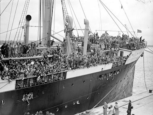 Aankomst SS Habana in Engeland, 1937.