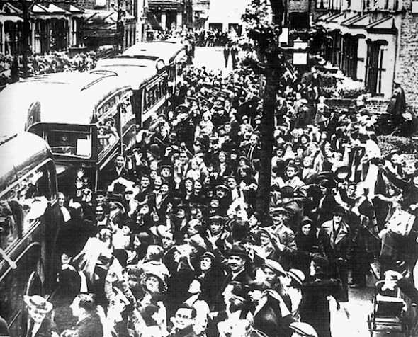 Aankomst Spaanse kinderen in Londen 1937.