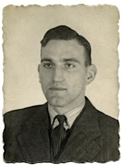 Pasfoto Anton Winterink ca. 1940 (*Arnhem 5-9-1914 - † Breendonk 6-7-1944), archief Riek Milikowski- de Raat