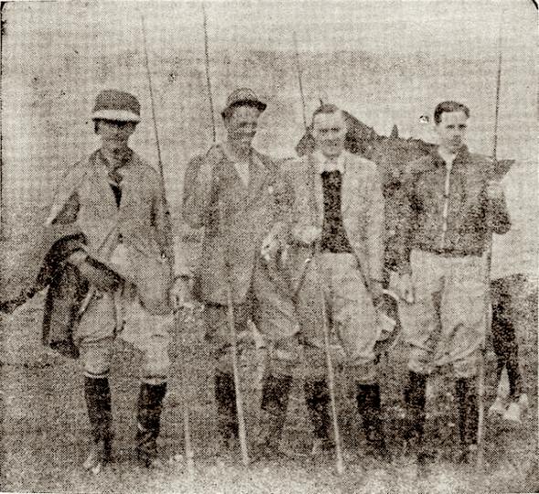 De prins derde van links; links van hem de heer Langenheim