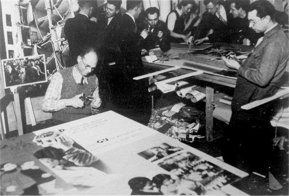 Peter Alma aan het werk voor tentoonstelling Spaanse Burgeroorlog